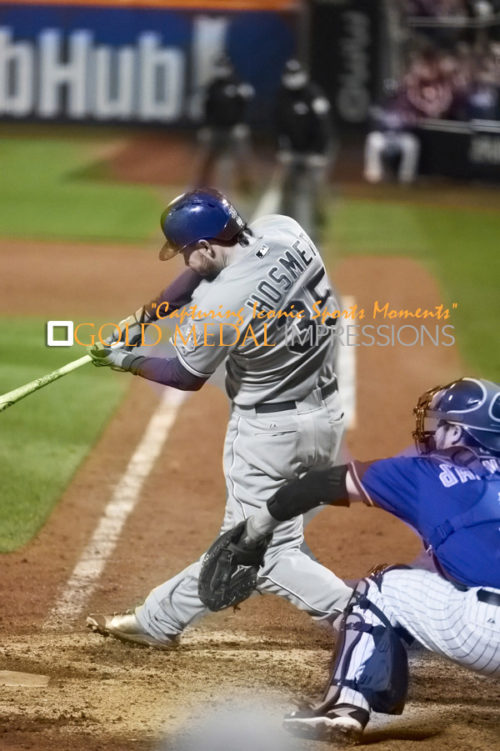 Royals ERIC HOSMER hits an RBI single in the 9th inning