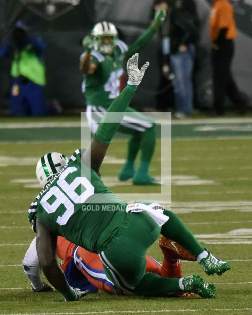 New York Jets defensive end MUHAMMED WILKERSON sacks Buffalo Bills quarterback TYROD TAYLOR in the second quarter at MetLIfe Stadiium. The Buffalo Bills went on to win 22-17.