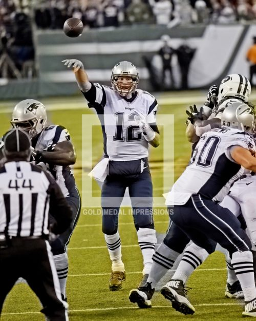 New England Patriots quarterback TOM BRADY throws touchdown pass to running back James White with only 1:55 remaining in the game forcing the game into overtime against the New York Jets at MetLIFE stadium. The Jets went on to win 26-20.