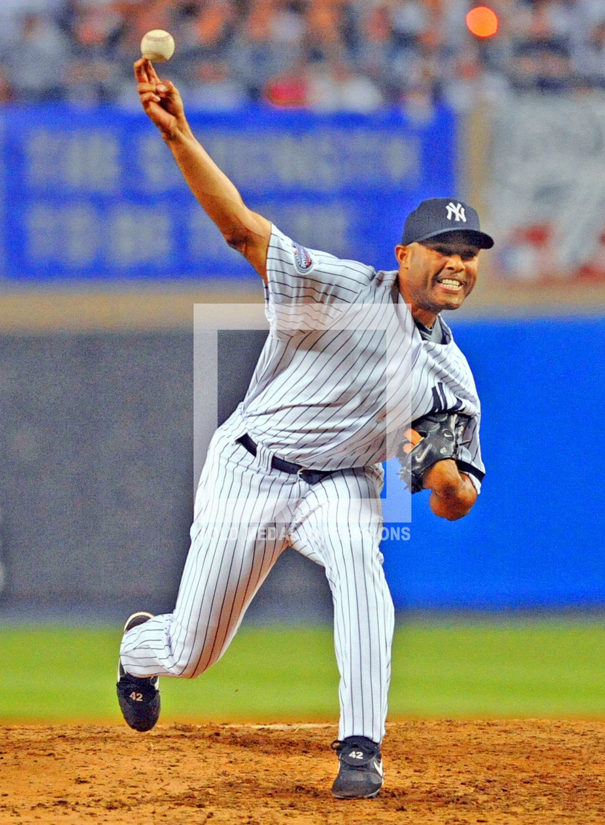 New York Yankees Mariano Rivera Throws The Last Pitch Ever