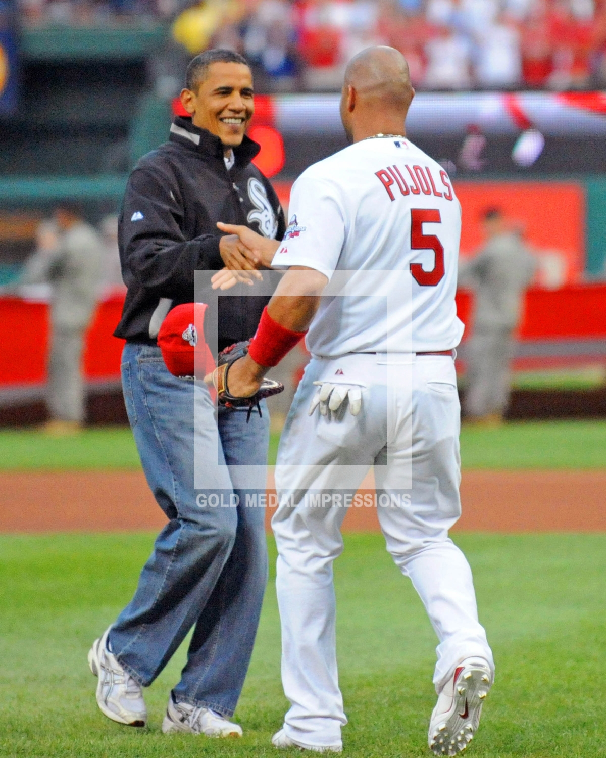 President Barack Obama throws out first pitch at the 2009 ...