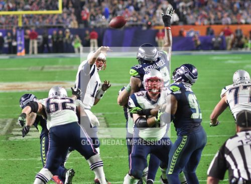 New England Patriots quarterback, TOM BRADY, throws winning touchdown pass to JULIAN EDELMAN with 2:02 remaining in Super Bowl XLIX giving the Patriots a 28-24 victory. Brady, who completed 37 of 50 passes for 328 yards surpassing Joe Monta's record for the most touchdown passes in a Super Bowl was selected as Super Bowl XLIX MVP.
