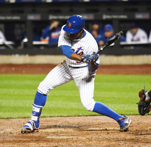 New York Mets outfielder, CURTIS GRANDERSON, singles in the 7th run of the inning off of relief pitcher Mike Broadway. The Mets went on to win 13-1.