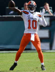 Cleveland Browns quarterback ROBERT GRIFFIN III looks downfield