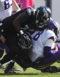 Eagles VINNY CURRY &NIGEL BRADHAM sack Vikings SAM BRADFORD