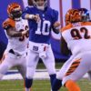 Giants quarterback ELI MANNING completes pass to Odell Beckham Jr