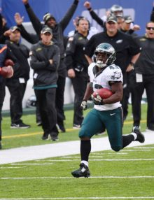 Philadelphia Eagles running back Darren Sproles 66 yard punt return