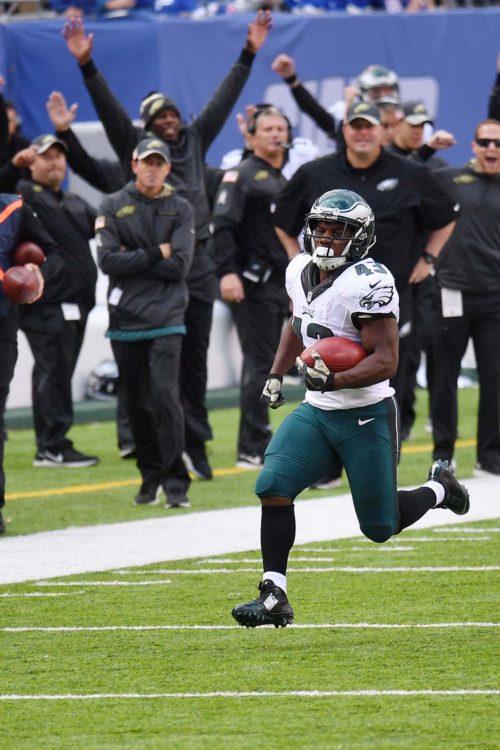 Philadelphia Eagles running back Darren Sproles 66 yard punt return