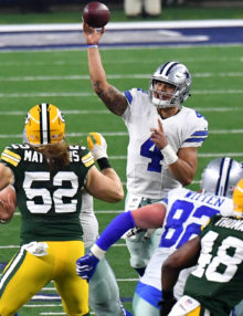 Dallas Cowboys quarteback DAK PRESCOTT completes pass to Cole Beasley