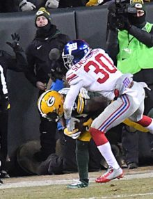 Green Bay Packers wide receiver DAVANTE ADAMS scores a touchdown