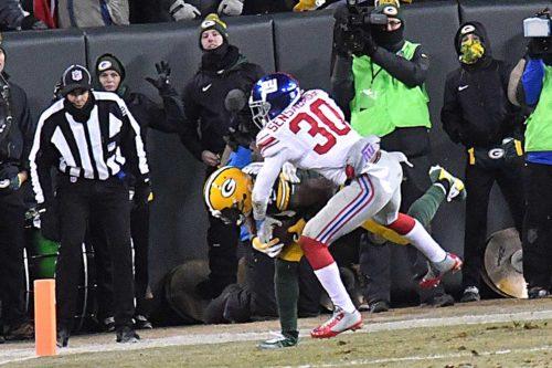 Green Bay Packers wide receiver DAVANTE ADAMS scores a touchdown