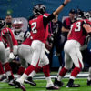 Atlanta Falcons Matt Ryan throws a 6 yard swing pas to Tevin Coleman for a TD