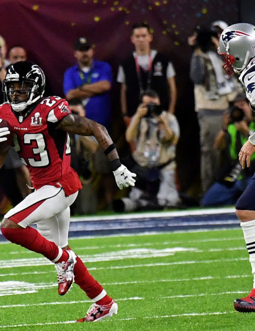 Atlanta Falcons ROBERT ALFORD intercepts a Tom Brady pass