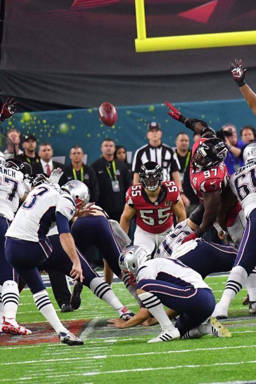 New England Patriots kicker Stephen Gostkowski hits a 41 yard field goal