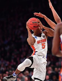 Florida Gators guard KeVaughn Allen scores