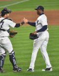 Yankees closer Aroldis Chapman receives congratulations