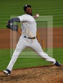 Yankees closer Aroldis Chapman retires St. Louis Cardinals outfielder Dexter Fowler