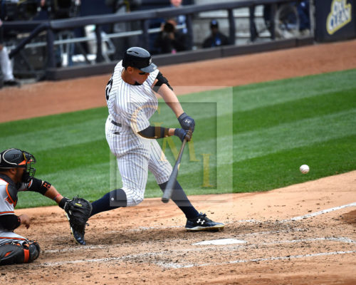 New York Yankees Aaron Judge Smokes one