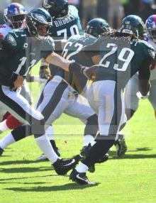 Eagles QB Carson Wentz hands off to running back LeGarrette Blount