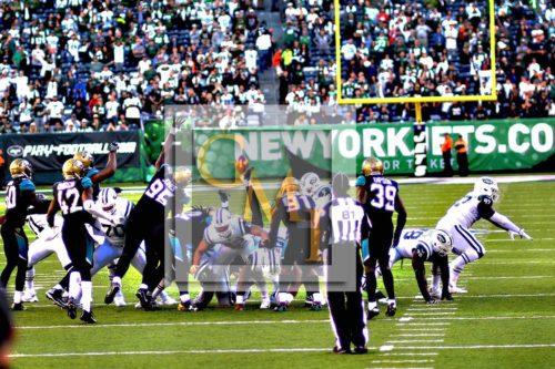 Jets kicker Chandler Catanzaro kicks a 41yard field goal for a Jets 23-20 victory