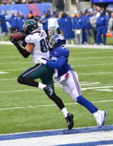 Eagles tight end ZACH ERTZ receives a 10 yard touchdown pass