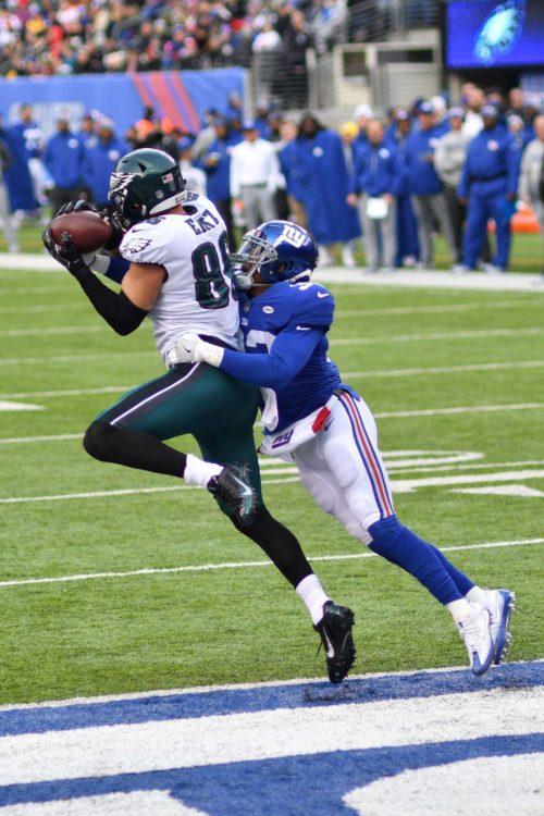 Eagles tight end ZACH ERTZ receives a 10 yard touchdown pass