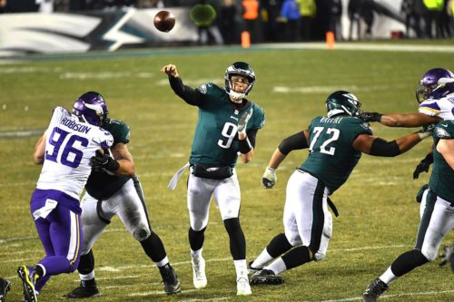Philadelphia Eagles quarterback NICK FOLES throws touchdown pass to wide receiver Alshon Jeffery