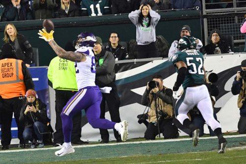 Minnesota Vikings tight end KYLE RUDOLPH receives touchdown pass