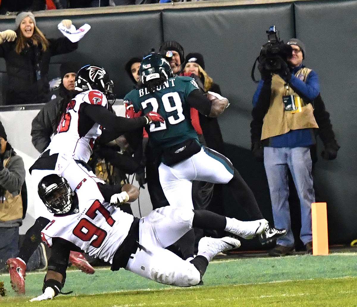 best service da595 b4541 Philadelphia Eagles running back LE GARRETTE BLOUNT runs over Atlanta  Falcons defensive tackle GRADY JARRETT