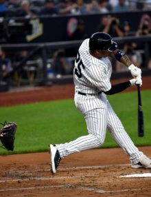 Yankees Glyber Torres hits a three-run home run in the first inning