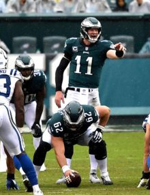 Eagles quarterback Carson Wentz points downfield against the Indianapolis Colts