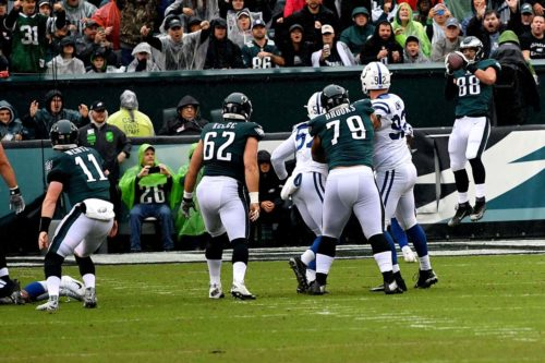 Eagles rookie tight end Dallas Goedert scores his first NFL touchdown