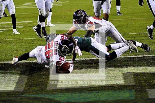 Atlanta Falcons running back TEVIN COLEMAN scores on a 9 yard run