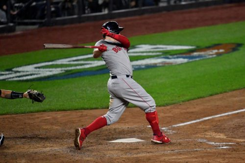 Boston Red Sox Brock Holt triples and drives in 2 runs