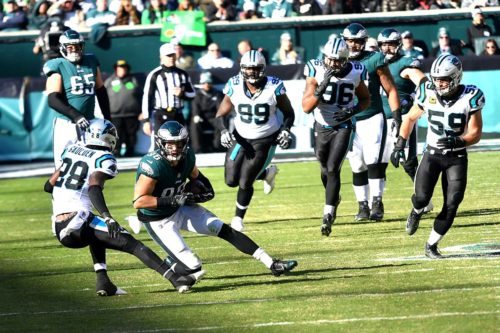 Eagles tight end ZACH ERTZ catches a pass from quarterback Carson Wentz