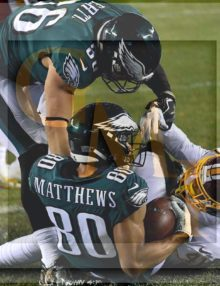 Eagles wide receiver Jordan Matthews receives a 4 yard touchdown pass