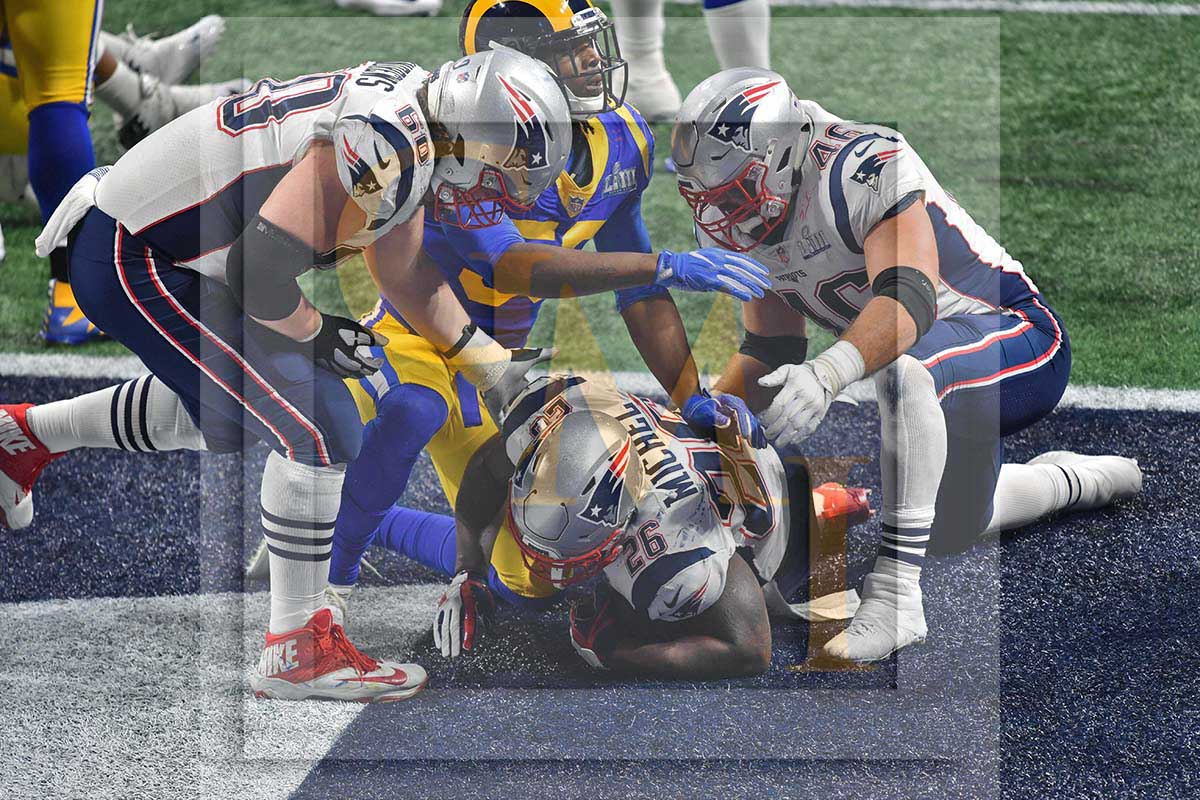 New England Patriots running back Sony Michel scores the winning touchdown  against the Los Angeles Rams 2a606b0dc