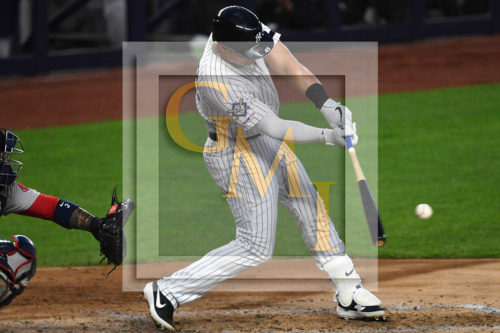 New York Yankees first baseman Luke Voit RBI single in the third
