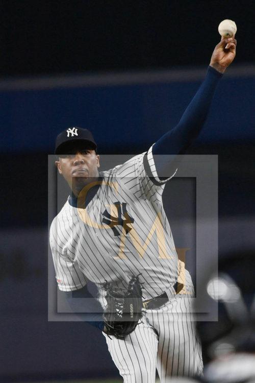 Yankees closer Aroldis Chapman throws a strike