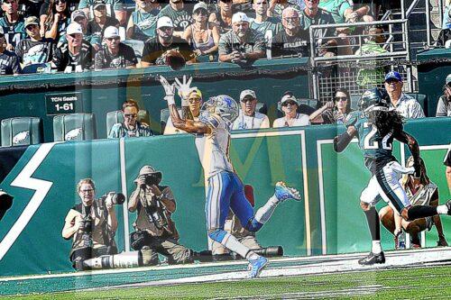 Lions wide receiver Marvin Jones Jr receives a 12yard touchdown pass