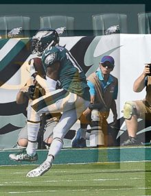Philadelphia Eagles wide receiver DeSean Jackson receives a 53 yard touchdown pass