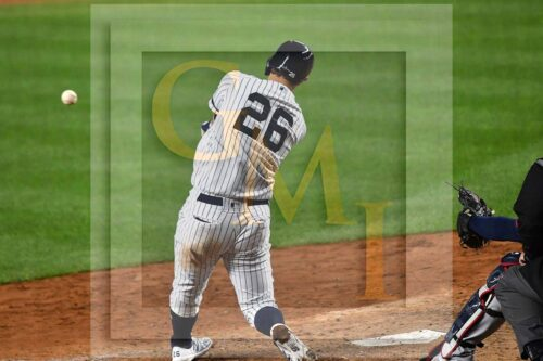 New York Yankees first baseman DJ LeMahieu doubles