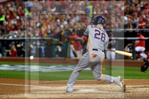 Houston Astros catcher Robinson Chirinos singles