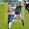 Seahawks running back Rashaad Penny breaks loose