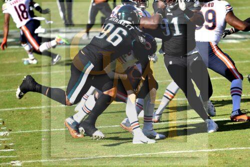 Eagles defensive end Derek Barnett sacks the Chicago Bears quarterback Mitchell Trubisky