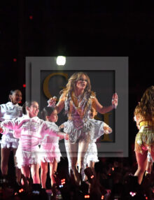 Jennifer Lopez entertains at half-time